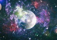 Plan?tes, ?toiles et galaxies dans l'espace extra-atmosph?rique montrant la beaut? de l'exploration d'espace ?l?ments meubl?s par illustration libre de droits