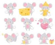 Plan vektoruppsättning av den lilla musen i olika lägen Liten gnagare med stora öron och den långa svansen gullig tecknad film royaltyfri illustrationer