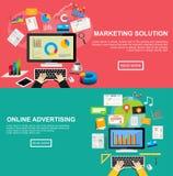 Plana designillustrationbegrepp för att marknadsföra lösningen, online-advertizing, internetinnehåll, investering, SEO Arkivfoto