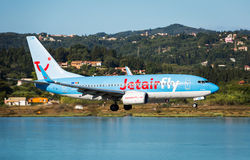 Plana landa Boeing 737-800 Arkivfoton