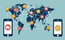 Plana massmediasymboler med mobiltelefoner och världskartan Royaltyfri Fotografi