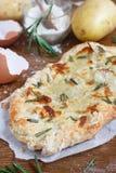 plana potatisrosmarinar för bröd Arkivbilder