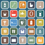 Plana symboler för badrum på blå bakgrund royaltyfri illustrationer