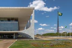 Planalto Palace and Brazilian Flag - Brasilia, Distrito Federal, Brazil. Brasilia, Brasil - Aug 26, 2018: Planalto Palace and Brazilian Flag - Brasilia, Distrito stock photos