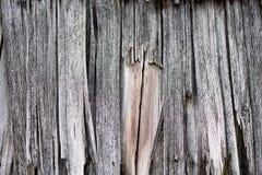 Plance di legno obsolete da un vecchio tetto della casa Immagini Stock