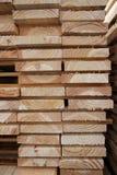 Plance essiccate artificialmente del legname Fotografia Stock Libera da Diritti