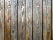 Plance materiali di legno Legno duro stagionato con i segni invecchiare e dei chiodi arrugginiti fotografie stock libere da diritti