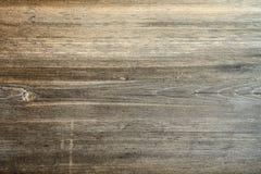 Planche à découper en bois rayée de brun foncé Texture en bois Photo stock