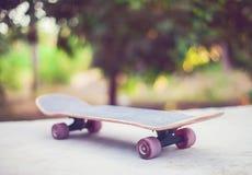 Planche à roulettes au sol Photographie stock libre de droits