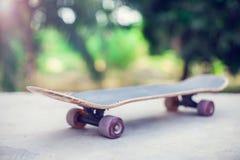 Planche à roulettes au sol Photos libres de droits