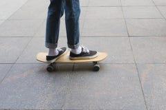 planche à roulettes en bois photo libre de droits
