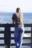 Planche à roulettes ou vague déferlante Photographie stock