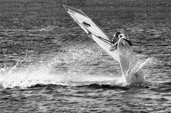 Planche à voile en mer Photographie stock libre de droits
