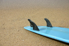 Planche de surfing bleue Photo stock