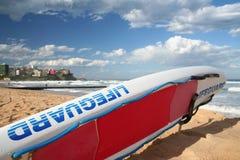 Planche de surfing de maître nageur Photos libres de droits