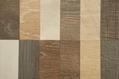 Plancher en bois de texture : tuile de chêne, tuile d'érable, tuile de châtaigne, noix Photographie stock libre de droits