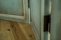 Plancher et une porte Photos libres de droits