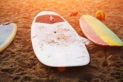 Planches de surf colorées lumineuses professionnelles Images stock