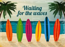 Planches de surf de vacances sur la plage d'océan Photo stock