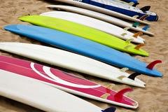 Planches de surfing photographie stock libre de droits