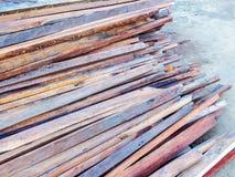 Planches en bois de toiture image libre de droits