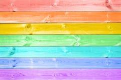 Planches en bois peintes par arc-en-ciel coloré en pastel Images libres de droits