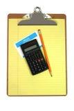 Planchette, calculatrice, crayon, étiquette nommée, et papier photo stock