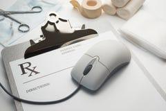Planchette en ligne de concept de prescription de rx Images libres de droits