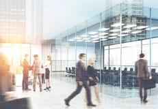 Plancton dell'ufficio nel loro luogo di lavoro Immagini Stock Libere da Diritti