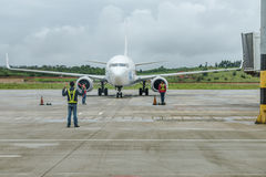 Plane and ground crews Stock Photography