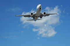 Plane landing Royalty Free Stock Photos