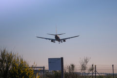 Plane landing. Photograph of a plane landing in El Prat airport, Barcelona, Spain Royalty Free Stock Photos