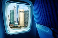 Plane landing in Shanghai Royalty Free Stock Photography