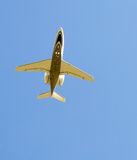 Plane overhead Royalty Free Stock Images