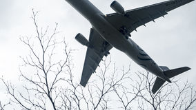 Plane about to land at the Taoyuan International Airport, Taiwan Stock Photo