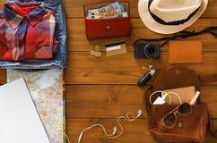 Planeamiento del viaje, opinión de set-top turística del esencial Fotografía de archivo libre de regalías