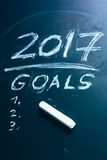 Planee una lista de metas para 2017 en la pizarra Imágenes de archivo libres de regalías