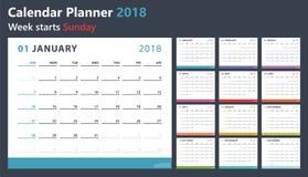 Planejador do calendário para 2018 começos domingo, projeto do calendário do vetor 2018 anos Imagem de Stock