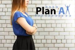 Planen Sie A auffassung ein Mädchen im Blau stockfoto