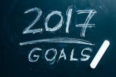 Planen Sie eine Liste von Zielen für 2017 auf Tafel Stockfoto