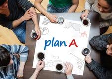 Planera b som är skriftligt på en affisch med teckningar av diagram Arkivbild