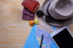 Planera semester med annan lopptillbehör Arkivbilder