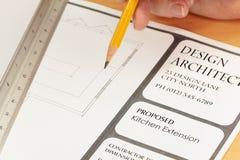 Planes del gráfico del arquitecto para la nueva cocina Fotografía de archivo libre de regalías