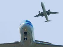 Planes getting close. During landing at amsterdam schiphol airport Royalty Free Stock Photography