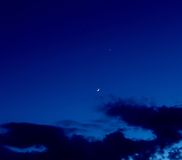 Planet Venus och Crescent Moon Royaltyfri Bild