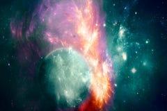 Planeta ciánico abstracto en un fondo colorido de la galaxia que brilla intensamente stock de ilustración