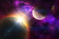Planeta com anéis no nascer do sol no fundo Foto de Stock