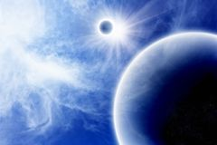 Planeta com o satélite no espaço azul imagens de stock royalty free