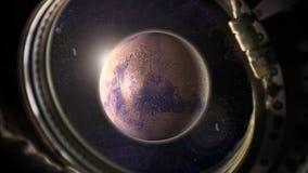 Planeta Marte en espacio con la opinión de la luz del sol de la ventana de la nave espacial fotos de archivo libres de regalías