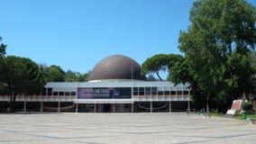 Planetario de Calouste Gulbenkian en Lisboa almacen de metraje de vídeo